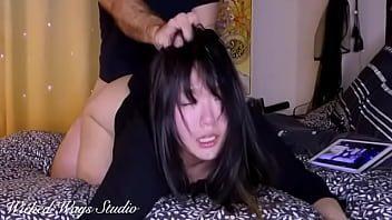 Levantou o vestido e fodeu a japinha vídeo com gostosa de quatro