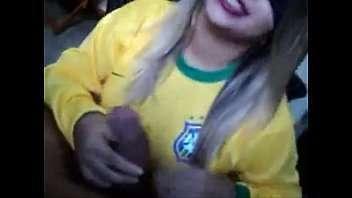Brasileira gostosa fodendo muito na copa do sexo