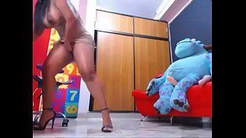 Novinha gostosa pelada na webcam