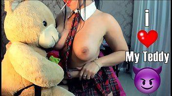 Ninfetinha colegial na webcam
