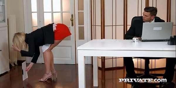 Patrão comeu a sua secretaria gostosa
