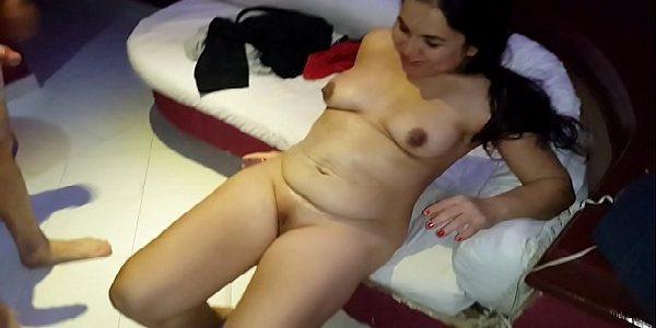 Gordinha gostosa fodendo com amante no motel