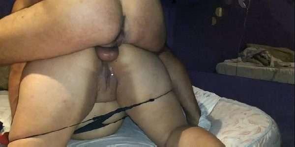Sexo anal com uma gordinha safada casada