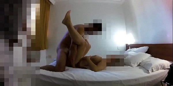 Pauzudo comendo a esposa puta sem camisinha