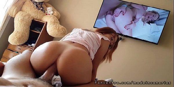 Sexo anal ninfetinha senta com o caralho no cuzinho
